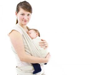 5495539-matka-z-dzieckiem-w-chuscie-900-726